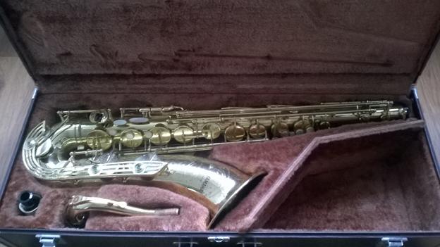 Yamaha YTS-61 Tenor Saxophone (Purple logo)