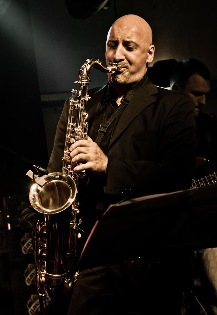 Biography - Zdenko Ivanusic